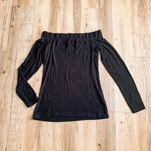 Womens off the shoulder long sleeve top size S